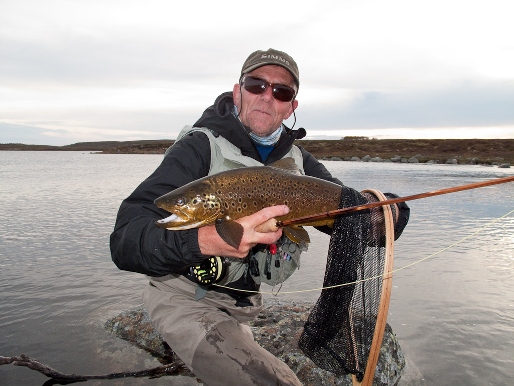 Paul with a nice trout by Torismanjavri (Lake Peter).