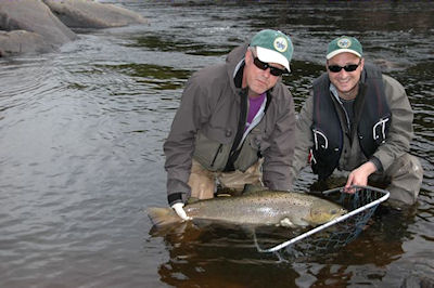 Rune & guide Sasha with a personal best 20lb fish click on image to enlarge