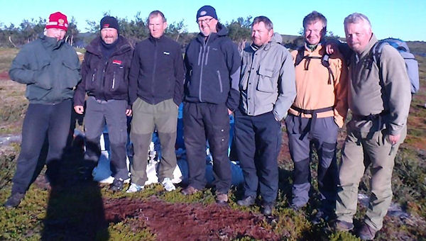 From left Igor (chef), Johnny, Frode, John Ivar, Rune, Vidar, and Pål - click on image to enlarge