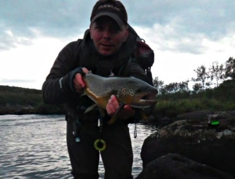 Roger with a nice 2,2 kg Kharlovka trout