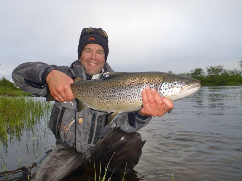 Picture 16 Tom with 3,3 kg at Dream litza downstream